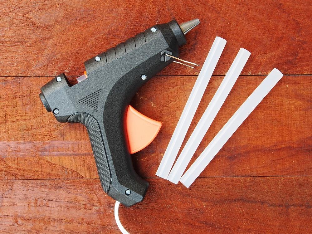pistolet do klejów termotopliwych